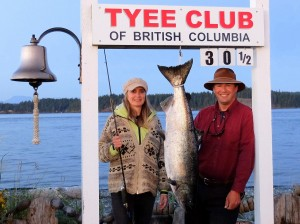 constance-kretz-30-5-lb-tyee-on-a-spoon-rowed-by-randy-killoran-on-sep-8-2016-750-pm