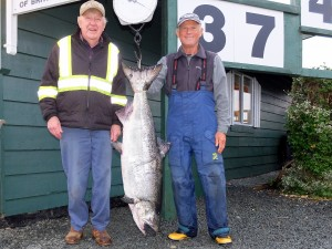 John Barker 37 lbs Sep 7th 540 a.m. on a spoon rowed by Joe Painter