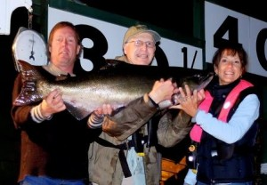 Todd Beadle 30.5 lbs Sep 5th 830 p.m. on a spoon rowed by Ken Enns compressed